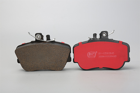 汽车刹车片厂家介绍刹车片的使用寿命和哪些因素有关?